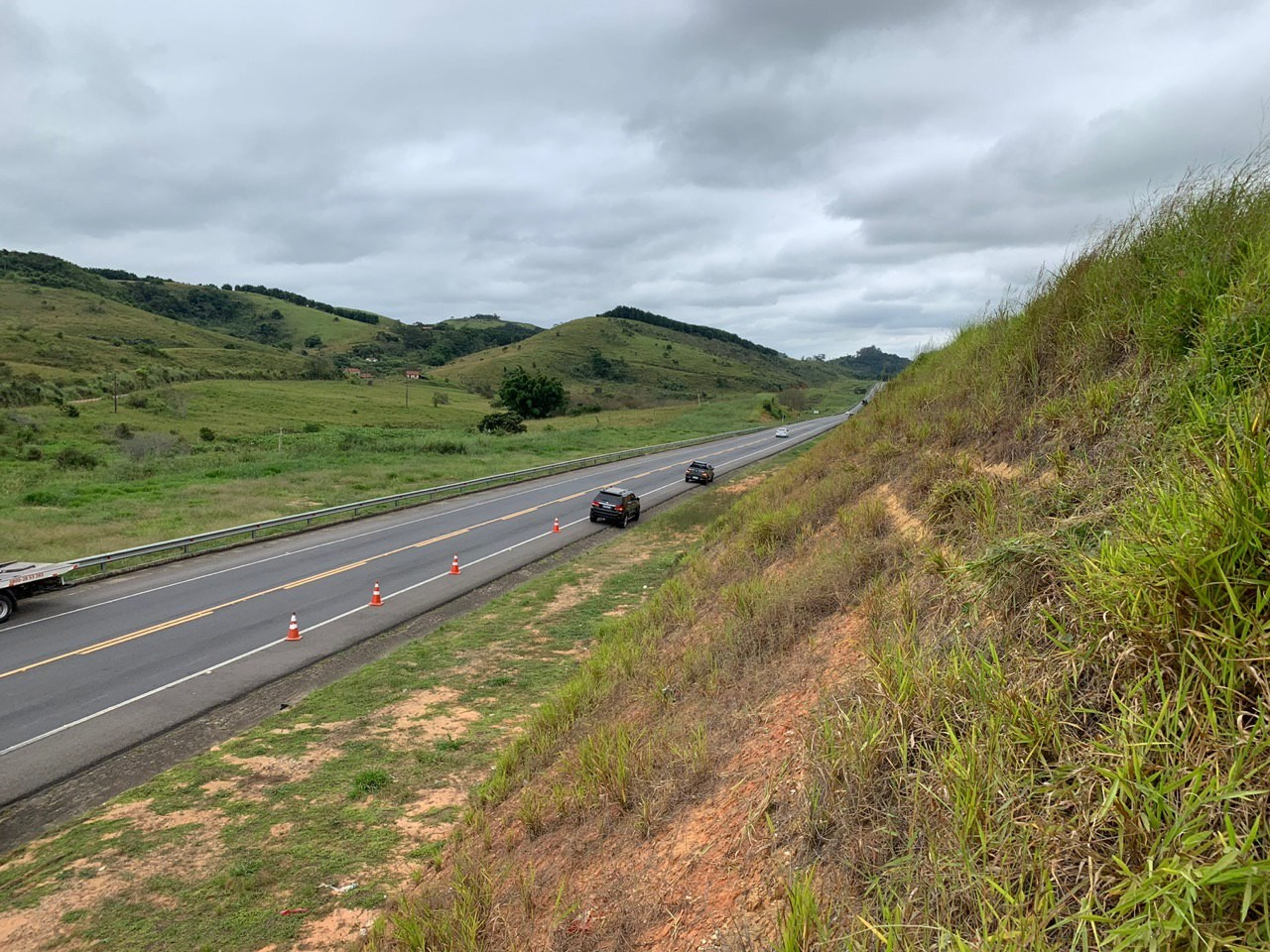 Trânsito vai funcionar em sistema siga e pare em trecho da Lúcio Meira, em Sapucaia - Notícias - Plantão Diário