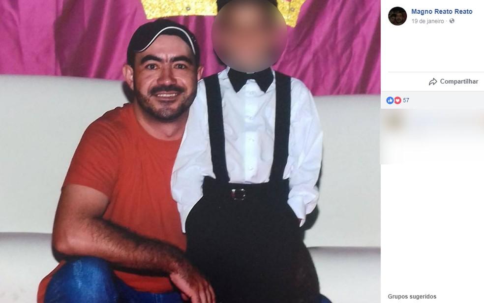 Magno Aparecido Reato foi esfaqueado e socorrido para hospital em Juara (Foto: Facebook/Reprodução)