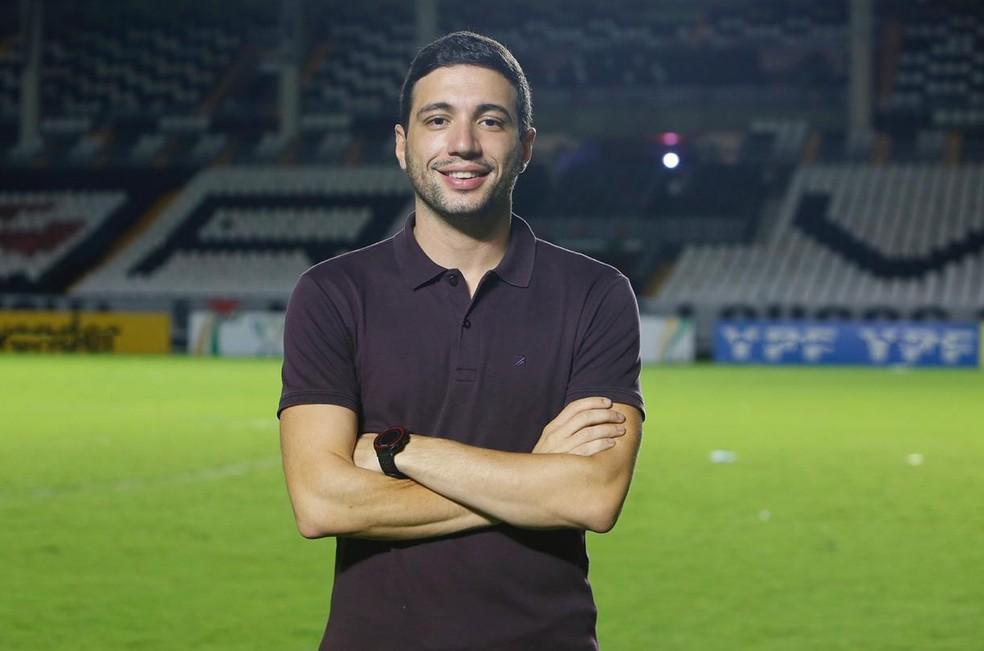 Alexandre Pássaro comanda o departamento de futebol do Vasco — Foto: Rafael Ribeiro / Vasco