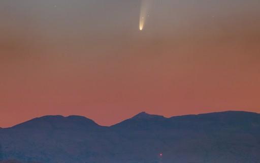 Cometa NEOWISE está passando perto da Terra — e rendendo fotos incríveis
