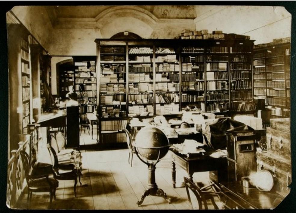 Biblioteca da Escola Politécnica da UFRJ no começo do século XX — Foto: Divulgação/ UFRJ