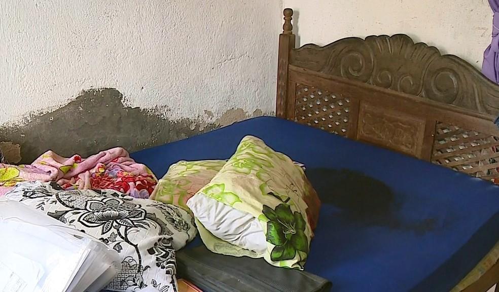 Mulher foi morta a facadas na frente dos filhos no Sul do Espírito Santo — Foto: Luiz Gonçalves/ TV Gazeta