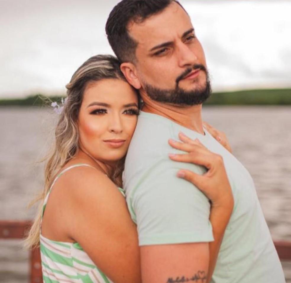 Bruno e Beatriz iriam se casar no dia 17 de abril, mas ele morreu de Covid-19 na mesma data — Foto: Beatriz Miranda/Arquivo pessoal