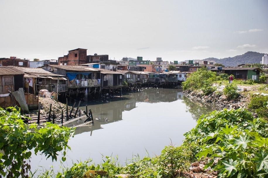 Prefeitura de São Vicente estuda obras contra alagamentos na região da comunidade do Bugre