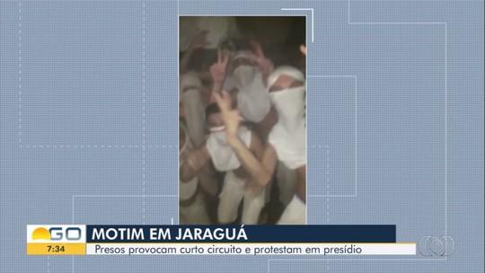 Presos filmam motim e protestam contra falta de água e energia em presídio de Jaraguá
