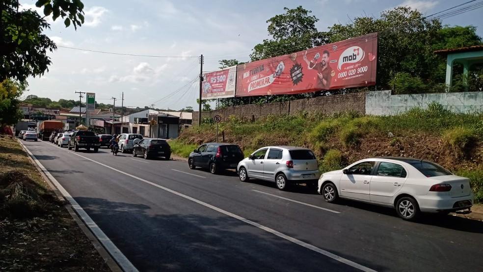 Condutores de Teresina passam a noite em postos para abastecer por R$ 3,50 o litro da gasolina; valor médio R$ 6,90 — Foto: Andrê Nascimento/g1