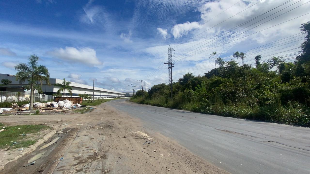 Corpo de homem morto a facadas é jogado em rua no Distrito Industrial de Manaus