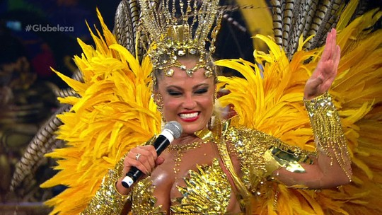 """""""Plenitude"""", diz Ellen Rocche sobre desfile da Rosas de Ouro no Anhembi"""