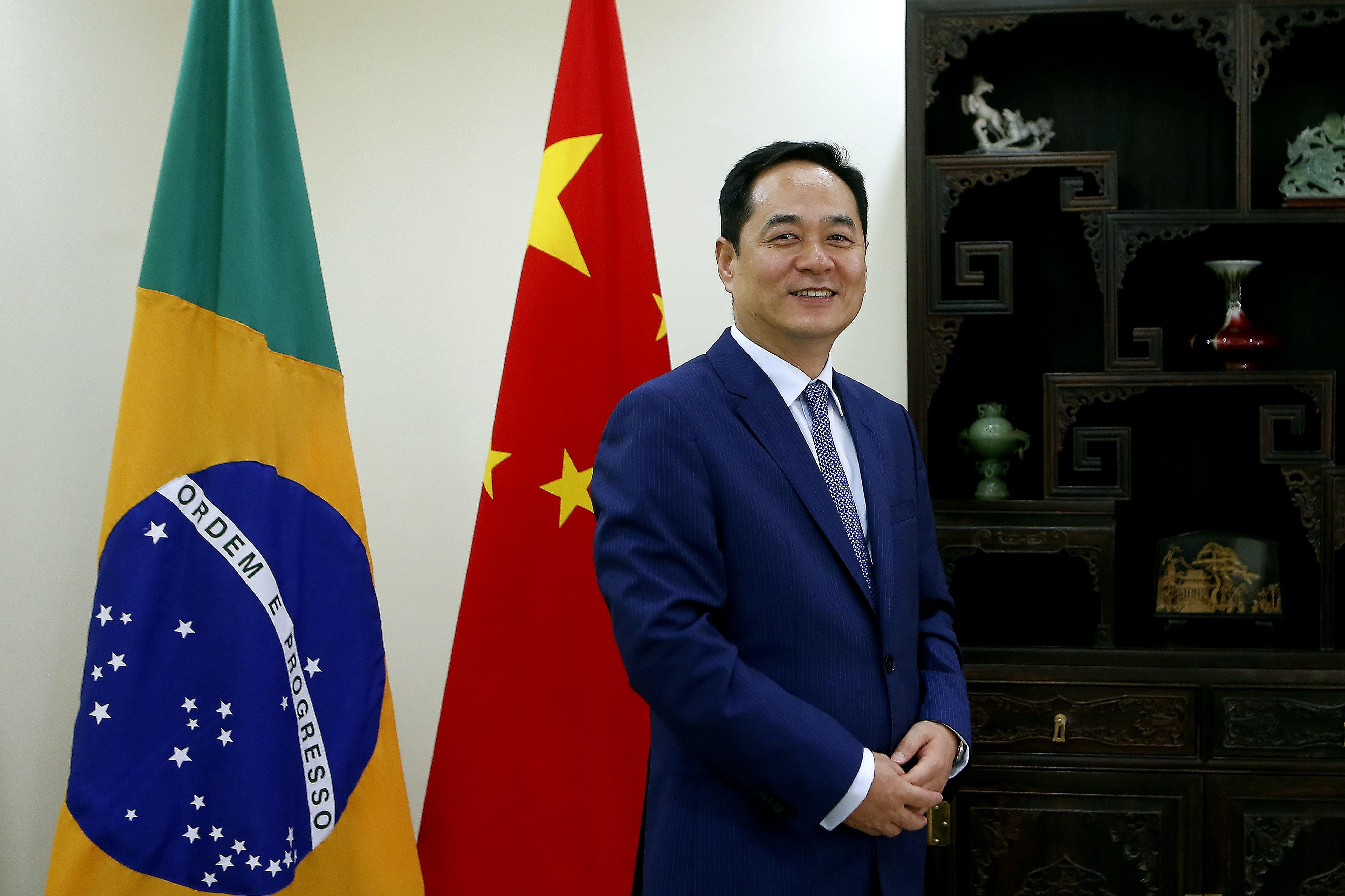 Yang Wanming, embaixador chinês, em foto de abril de 2019