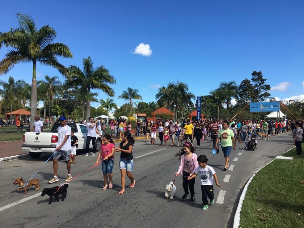 Caminhada do Amicão em Resende — Foto: Maria Clara Jordão/TV Rio Sul