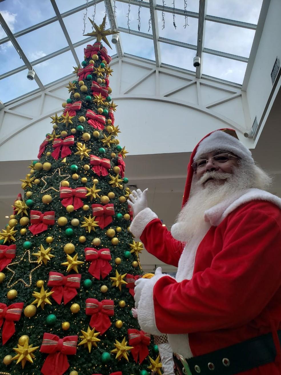 José Luiz é Papai Noel no shopping de Suzano — Foto: José Luiz Barros/Arquivo Pessoal