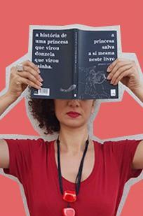 Adriana Ferreira livros Amanda Lovelace (Foto: Arte: Camila Ribeiro / Foto: Vânia Goy)