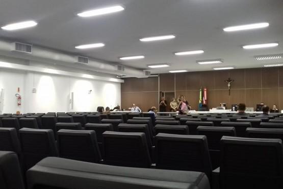 Homem que atropelou e matou 2 mulheres na SC-401 é condenado a pena de 3 anos em regime aberto - Radio Evangelho Gospel