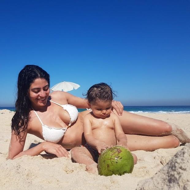 Carol Castro e Nina (Foto: Reprodução)