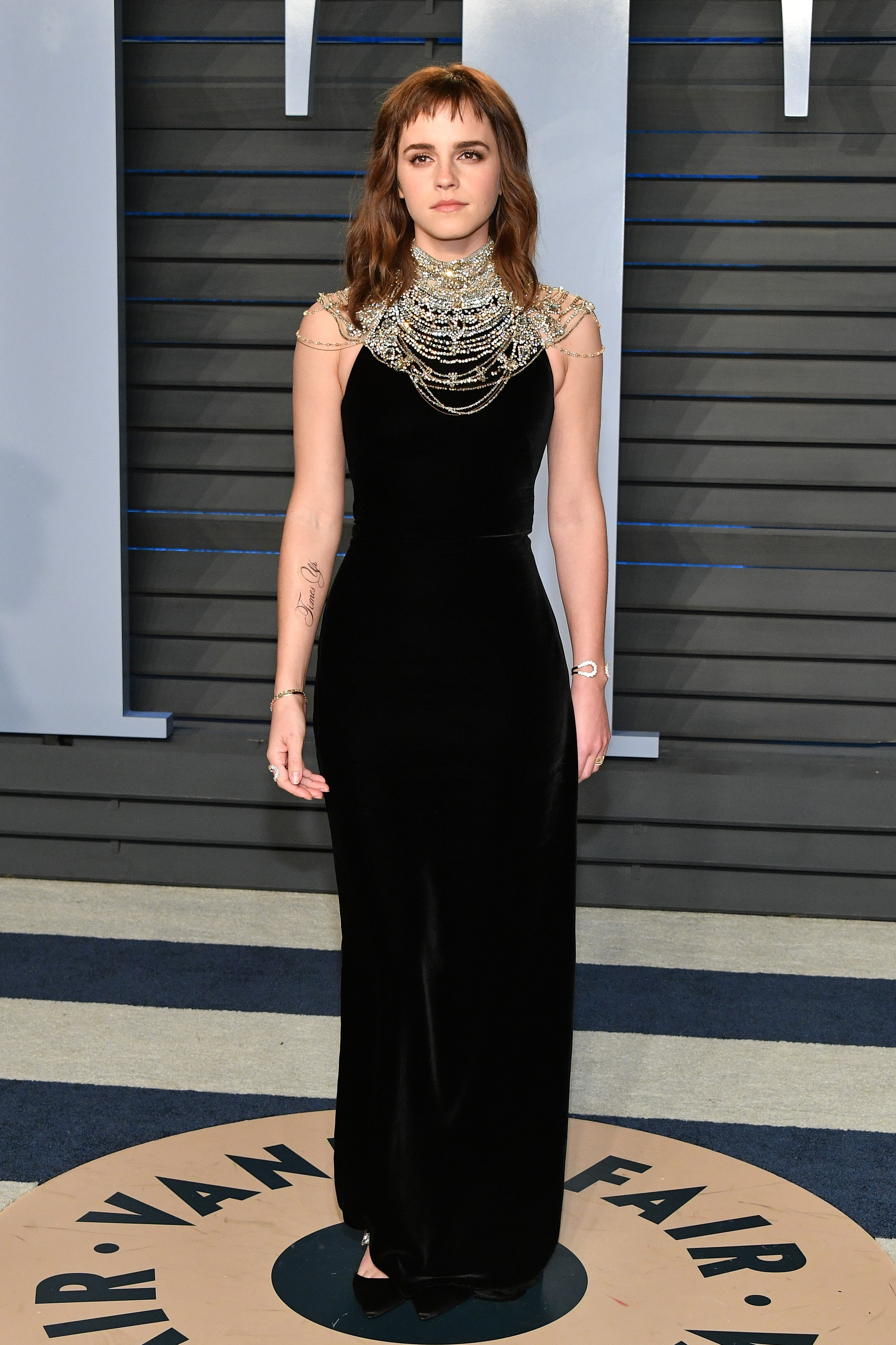 A tatuagem com a grafia errada no braço da atriz Emma Watson (Foto: Getty Images)