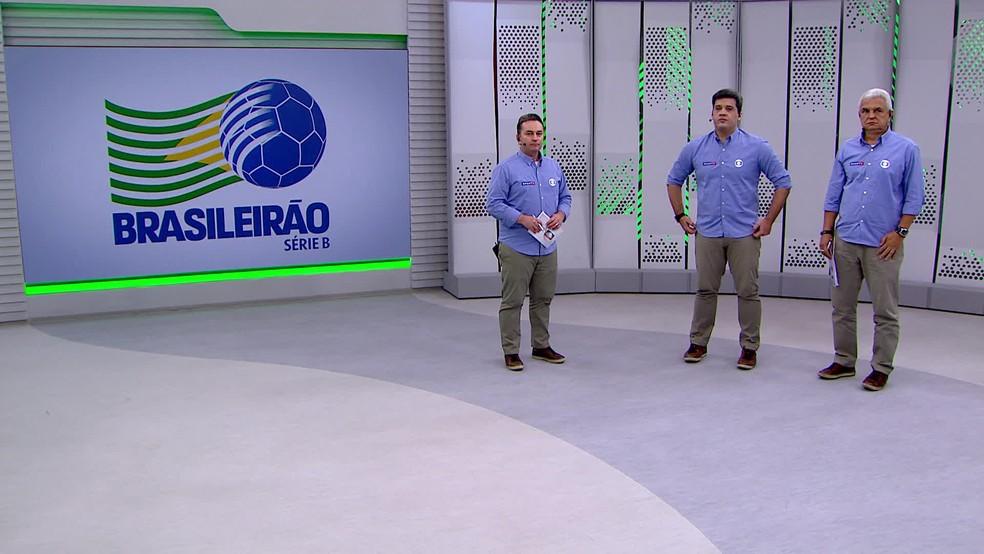 Márcio Rezende de Freitas na transmissão de Brasil-RS x Sport ao lado de Rembrandt Júnior e Cabral Neto — Foto: Reprodução/TV Globo