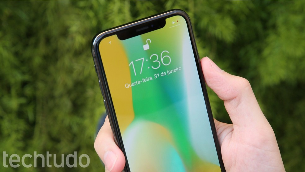 iPhone X é destaque do Leilão da Receita Federal — Foto: Luciana Maline/TechTudo