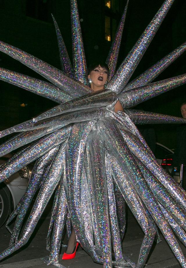 Lady Gaga chega no VIP Room, em 2014 (Foto: Getty Images)