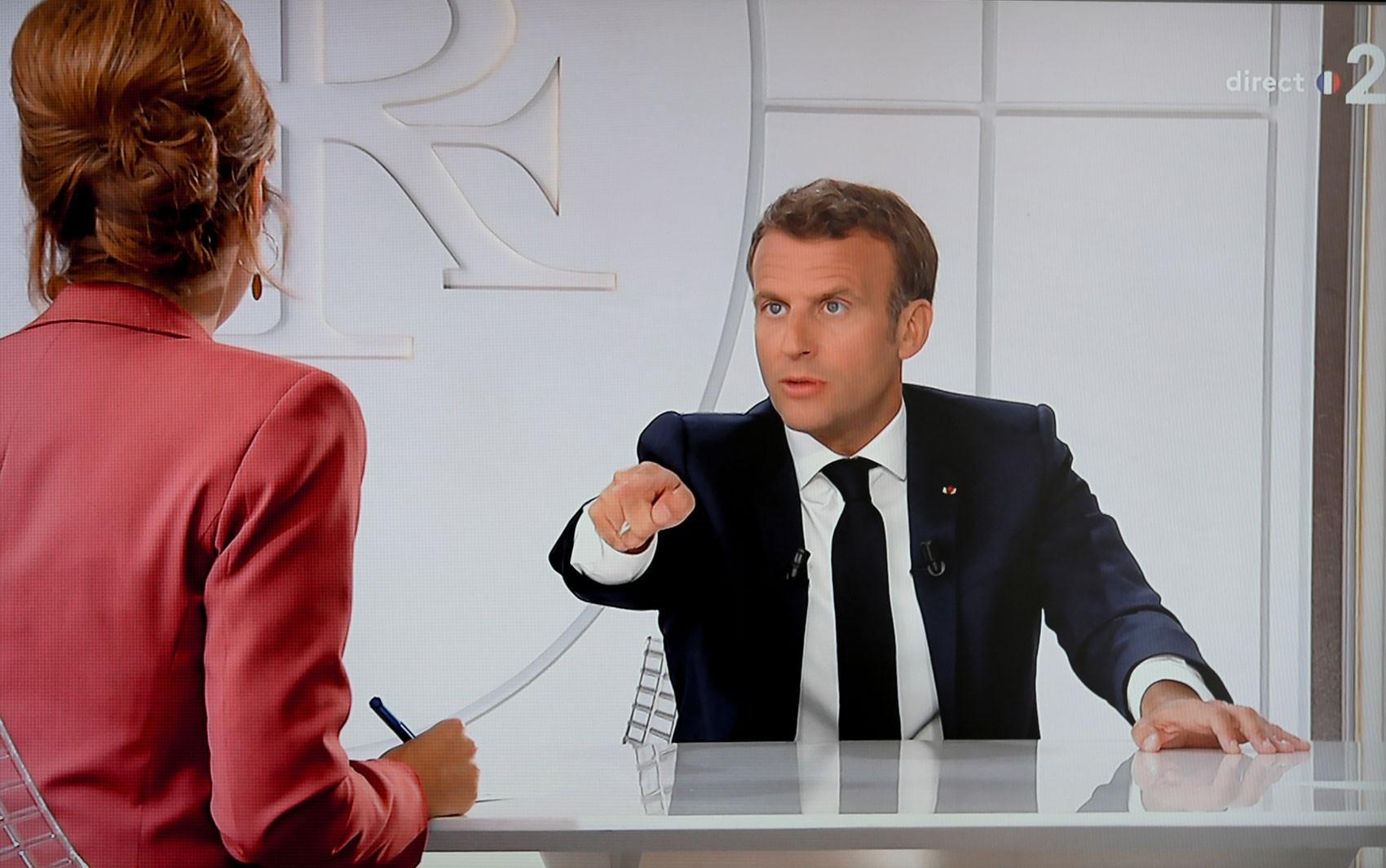 Macron diz que não tomaria cloroquina caso fosse contaminado pela Covid-19