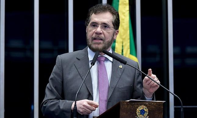 O senador Plínio Valério (PSDB-AM)