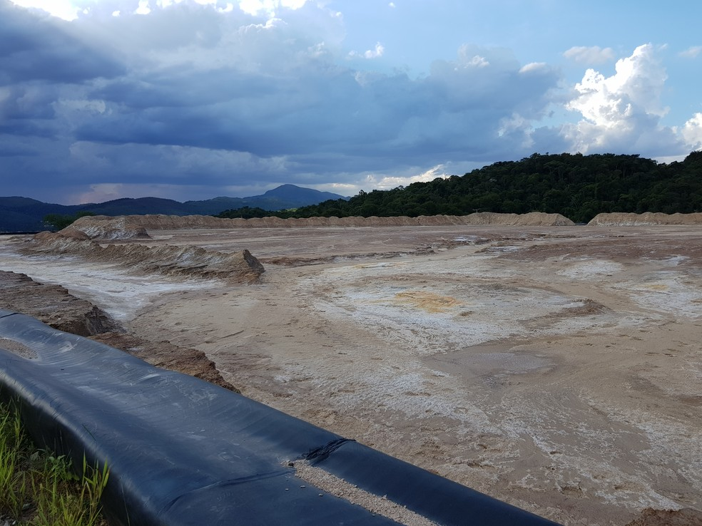 Barragens abandonadas da Mundo Mineração em Rio Acima, na Grande BH, tem a classificação de risco mais alta no cadastro da ANM — Foto: Humberto Trajano/G1