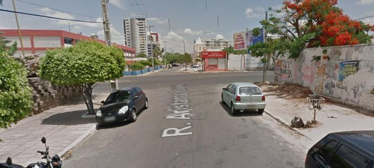 Homem morre a tiros na Rua Aristarco Lopes, no Centro de Petrolina - G1