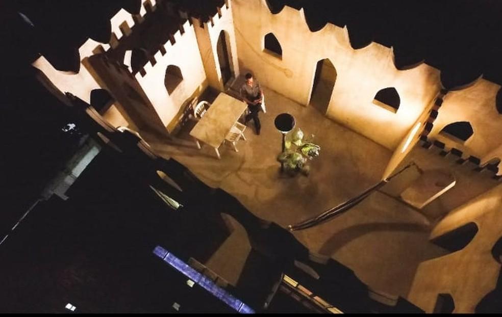 Emerson vê o castelo como um porto seguro — Foto: Emerson Brasil/Arquivo