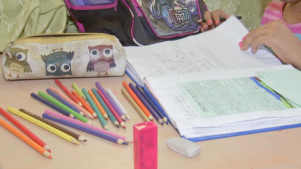 Material escolar é um dos gastos de início de ano para muita gente (Foto: Reprodução/TV TEM)