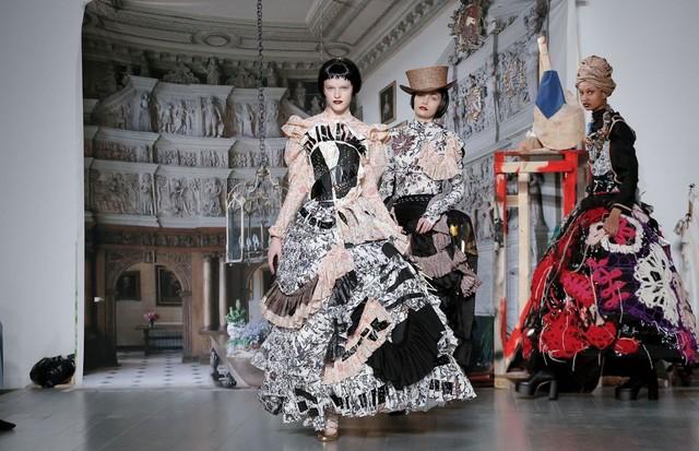 Matty Bovan - inverno 2019 (Foto: Now Fashion)