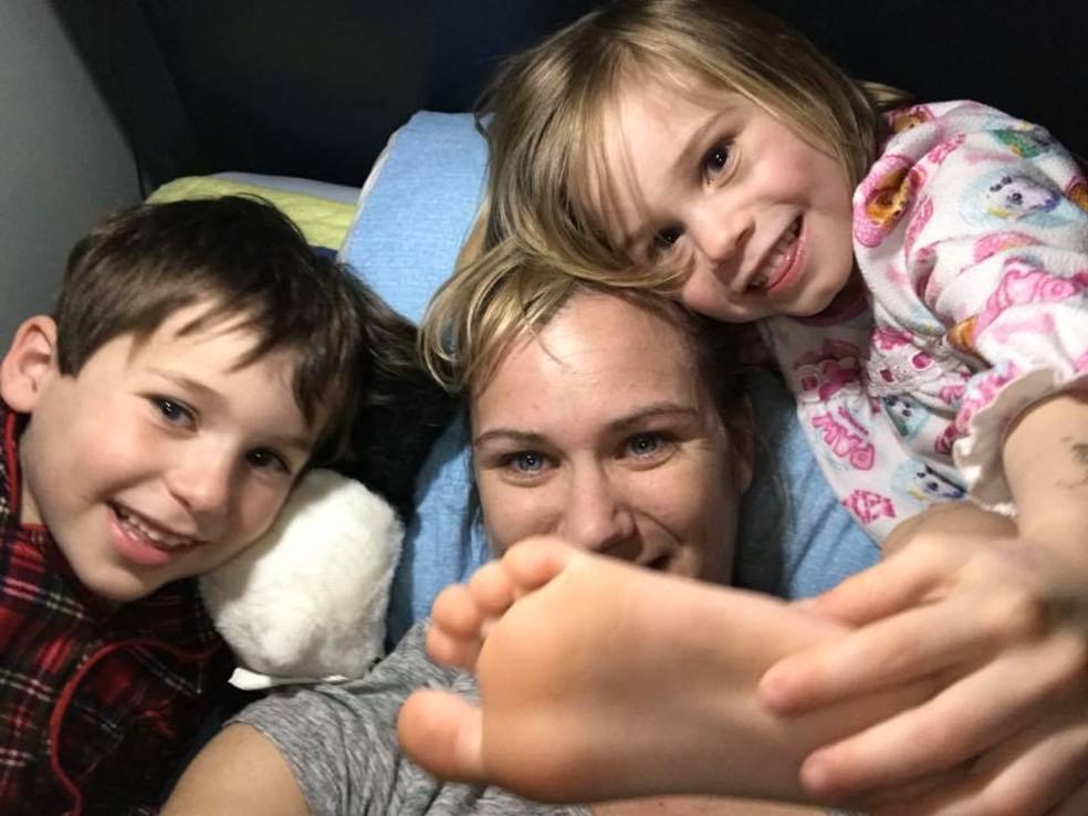 Maeve Kennedy Townsend McKean e filhos — Foto: Reprodução / Facebook