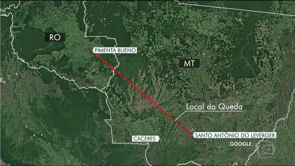 Trajeto de avião que saiu de Pimenta Bueno para Mato Grosso, onde caiu em Cáceres — Foto: TV Globo/Reprodução