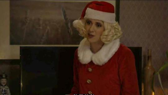 Dani Calabresa é Mamãe Noel e revela boas verdade sobre o Natal! Confira no esquete do 'Zorra'
