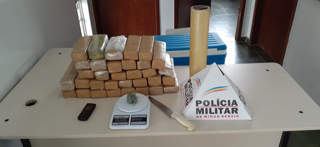 Jovem é preso com cerca de 20 kg de maconha em Buenópolis; droga seria entregue em Bocaiuva