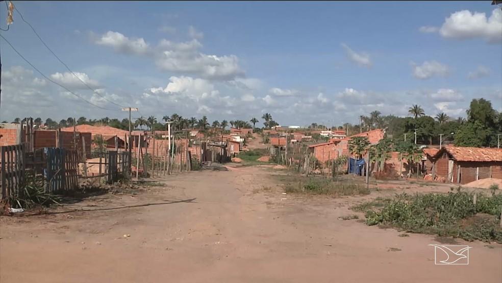 Justiça determinou a reintegração de posse de uma das maiores áreas de invasão em Imperatriz (Foto: Reprodução/TV Mirante)