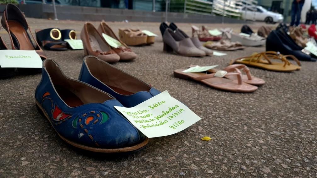 Sapatos representam vítimas de feminicídio em Rondônia — Foto: Armando Júnior/Rede Amazônica