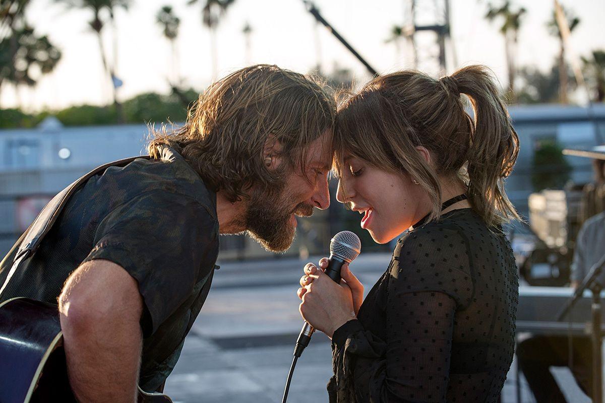 Bradley Cooper e Lady Gaga em cena de Nasce Uma Estrela (2018) (Foto: Reprodução)