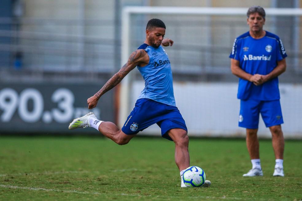 Renato diz que teve conversa com André após registro de B.O contra o atacante — Foto: Lucas Uebel/Grêmio
