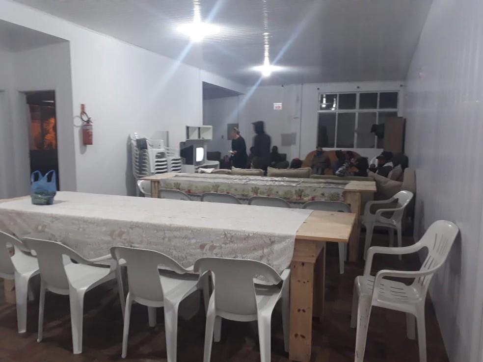 Local para refeições em abrigo de Lages — Foto: Acolhimento Temporário Emergencial/Divulgação