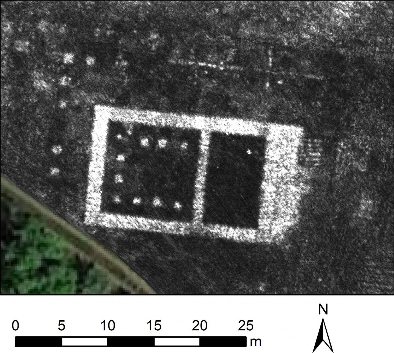 """Arqueólogos mapeiam cidade do Império Romano usando radar que """"penetra"""" o solo. Acima: imagem do templo da cidade feita a partir do GPR (Foto: L. Verdonck/Antiquity)"""