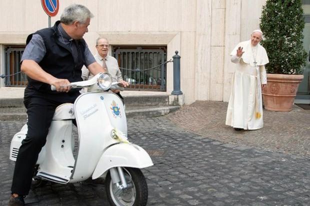Vespa Papa Francisco (Foto: divulgação)