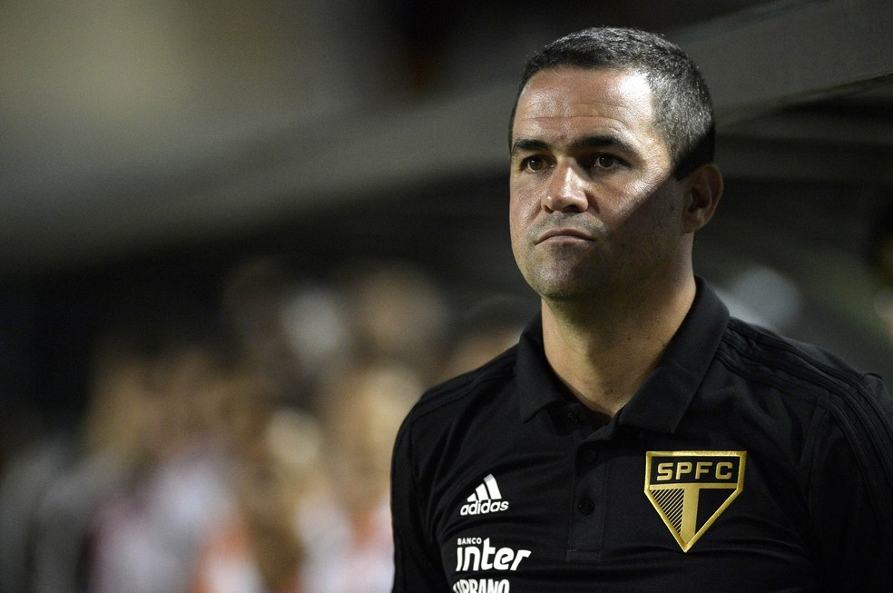 Pressionado no São Paulo, técnico André Jardine precisa mobilizar time e melhorar desempenho — Foto: Marcos Ribolli