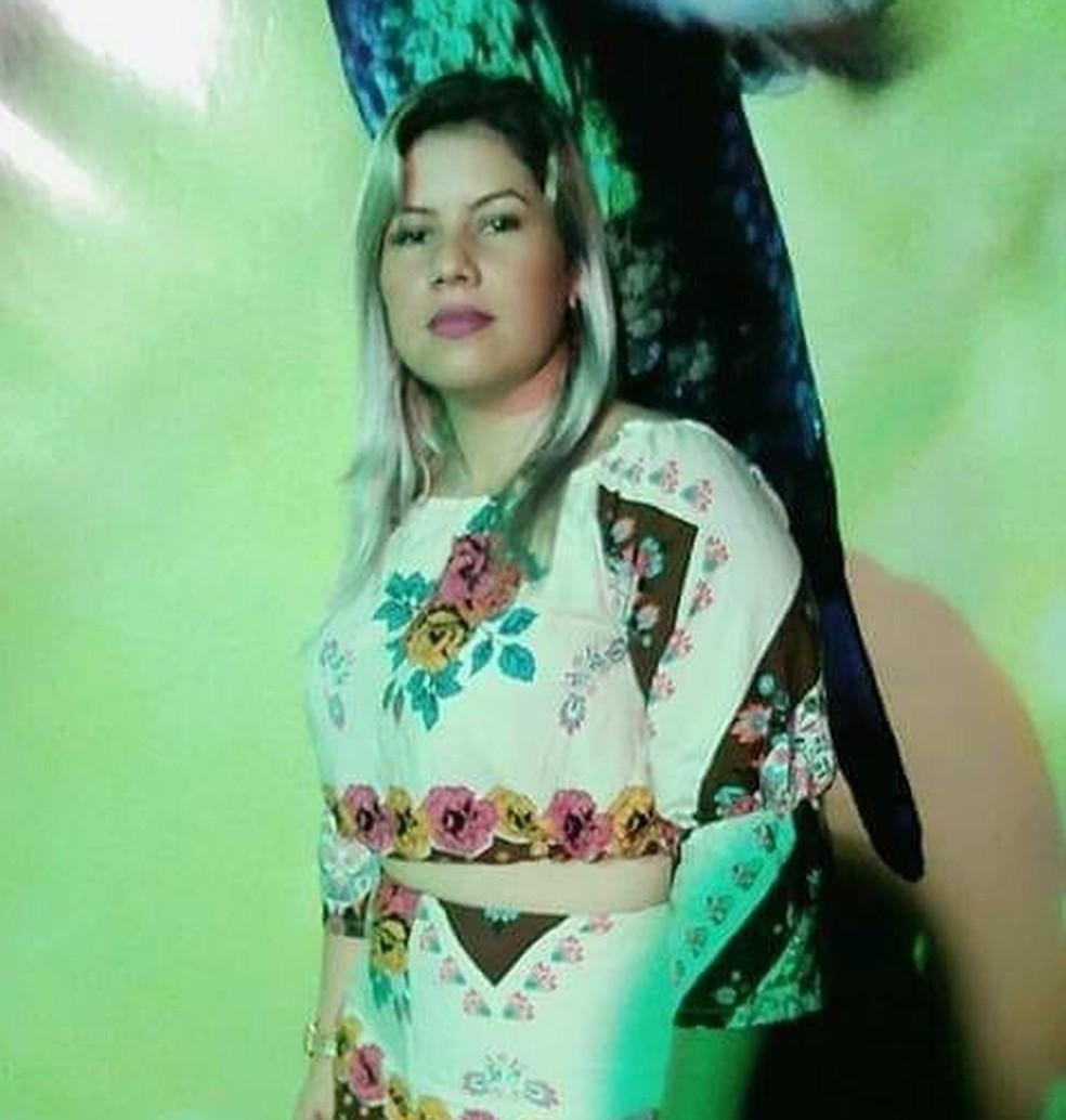 Mulher morre após ser agredida pelo marido com golpes de machado em Votuporanga (SP) — Foto: Facebook/Suelen Camilo