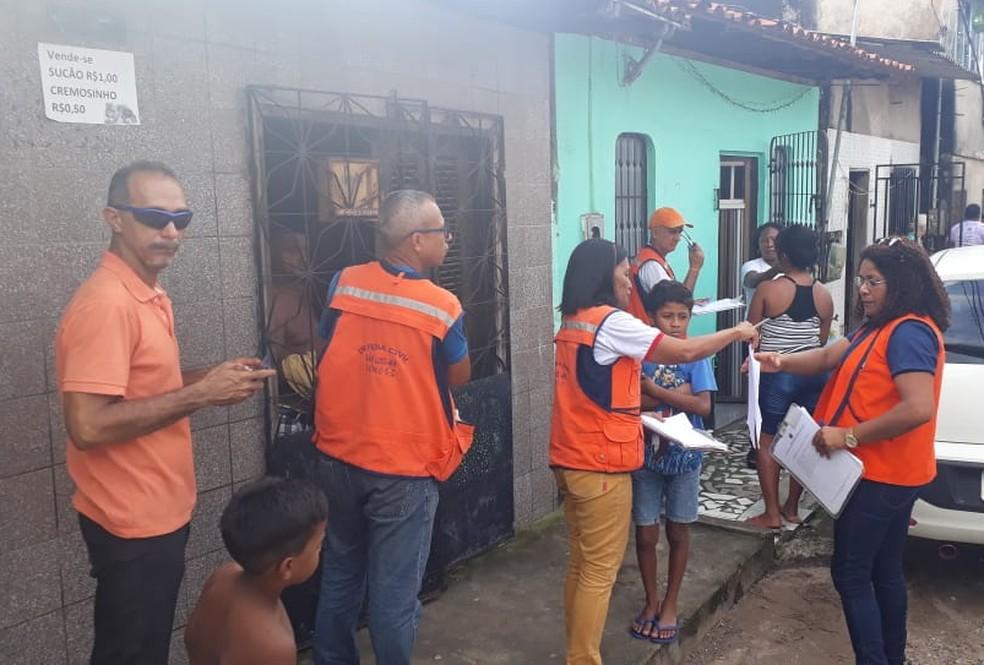Defesa Civil realizou uma vistoria nesta quinta-feira (7) e decidiu interditar várias casas da Vila Bacanga — Foto: João Ricardo/Rádio Mirante AM