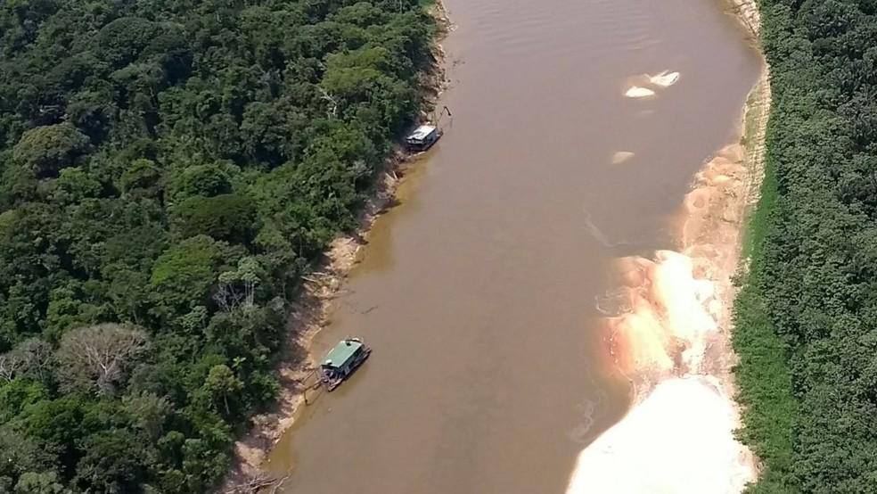 Garimpo ilegal na região do rio Jandiatuba, localizado no município de São Paulo de Olivença (Foto: Divulgação/MPF)