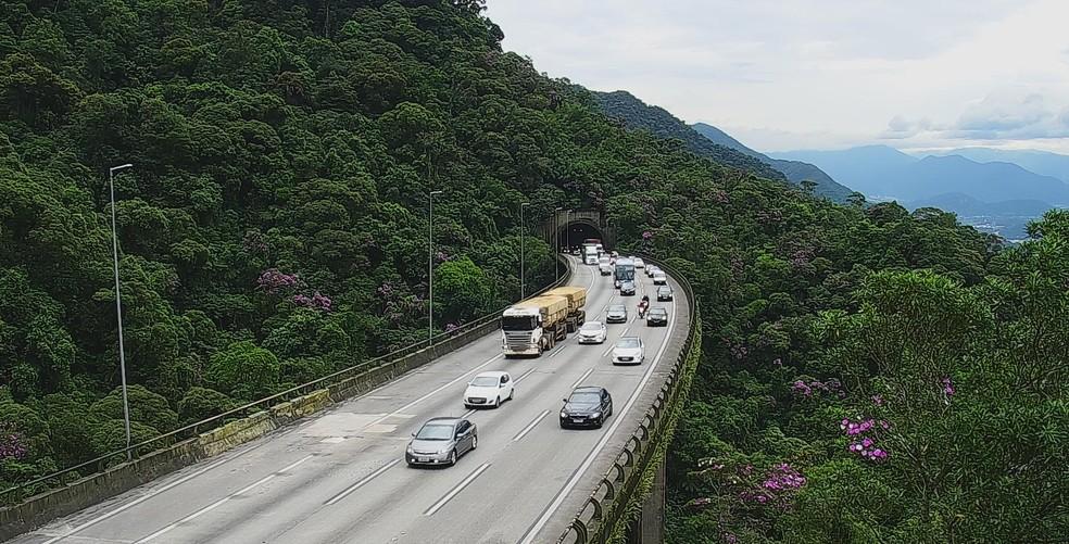 Trecho de serra da Rodovia Dos Imigrantes em SP, que liga a capital ao litoral  — Foto: Divulgação/Ecovias