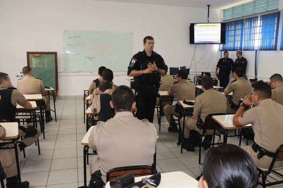 PMs participam de treinamento com o Bope em Barbacena — Foto: Polícia Militar/Divulgação
