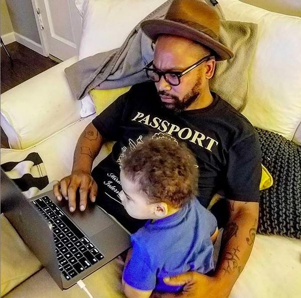 O ator Columbus Short em foto com um dos filhos (Foto: Instagram)