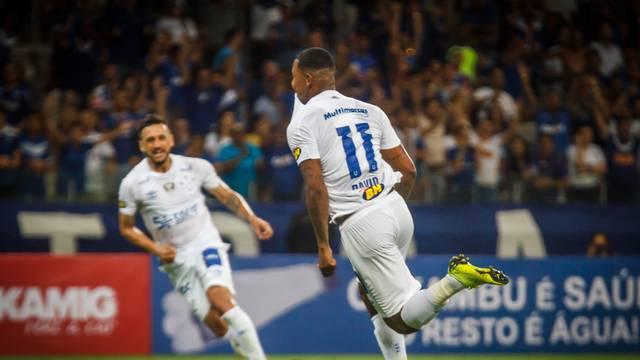 David comemora o gol marcado diante do Patrocinense