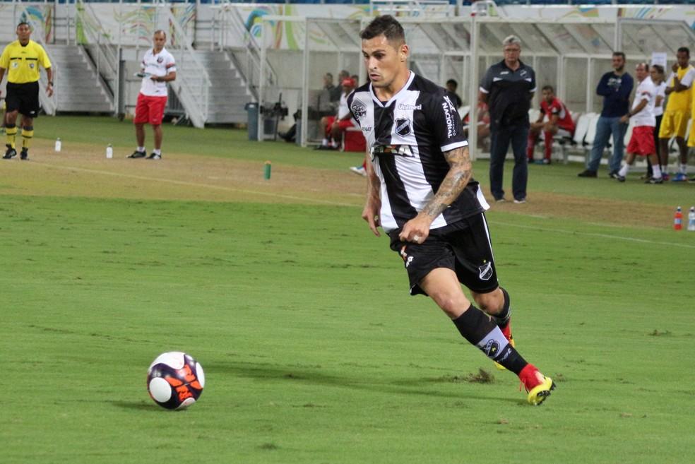 Fora dos planos do ABC, Romano é liberado para procurar um novo clube, mas segue treinando (Foto: Andrei Torres/ABC)