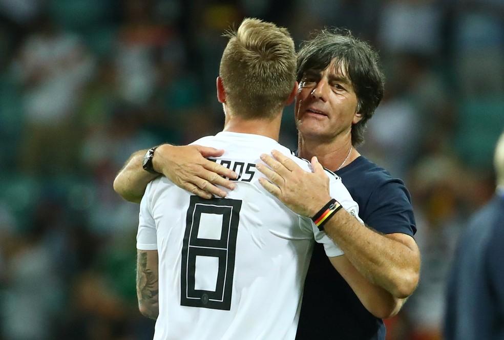 Joachim Löw e Toni Kroos são remanescentes do 7 a 1 (Foto: Reuters/Michael Dalder)